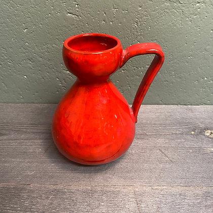 Rød keramikkvase
