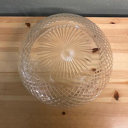 Flott glasskuppel med utskjæringer