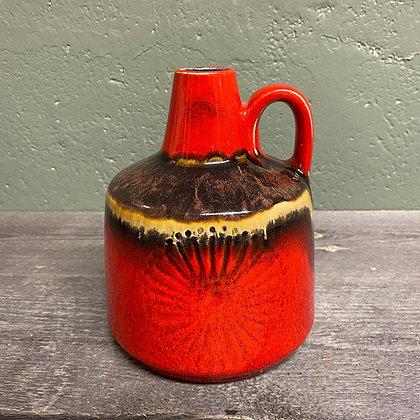 Rød keramikkvase med kul glasur