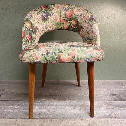 Barnestol med blomstertrekk
