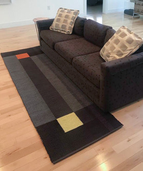 "Living Room Rug 2' 6"" x 8'"