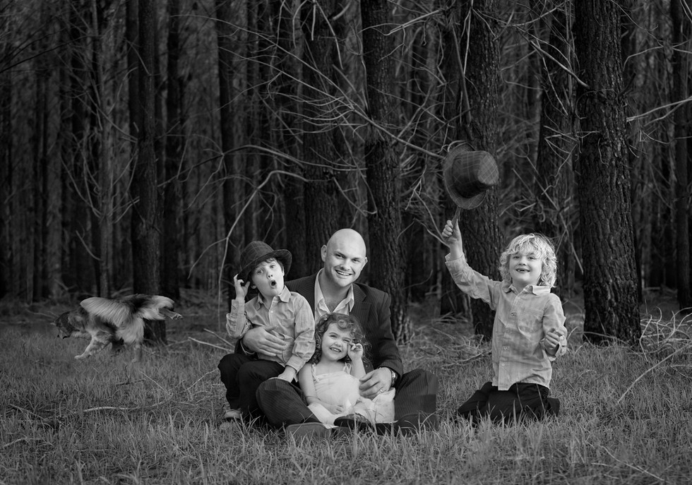 family portrait, best photographer perth, top 10 photographers in the world, dogs, pets, love family, inspiration, art, artwork, photographic art, artist, beach, Venice, Italy, Australia, Florence, love, workshop