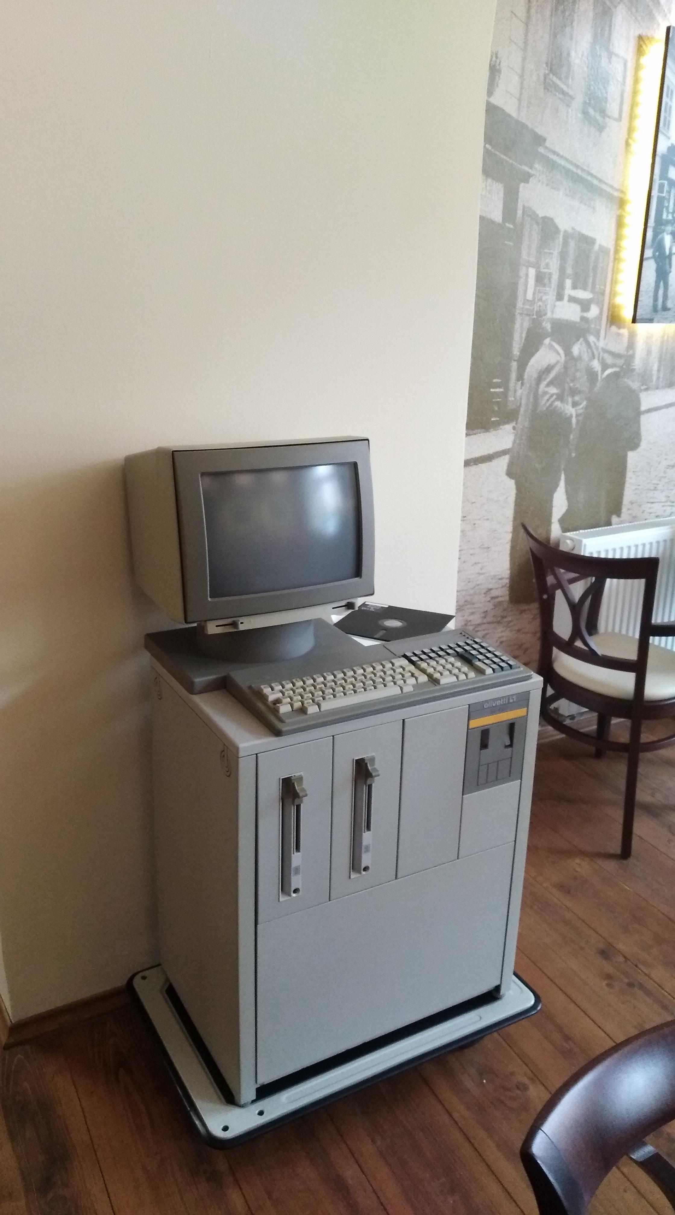 Olivetti L1 M40 ST