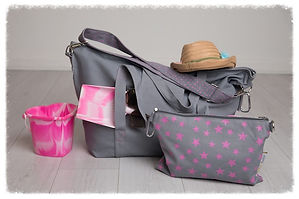big bag, grey/pink, perfect for beach bag / weekend bag / gym bag / baby bag / change bag, folds away to fit into great smaller pouch bag