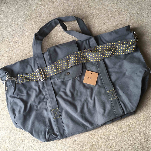 stitching fault (2a) - grey/yellow (no pouch bag)