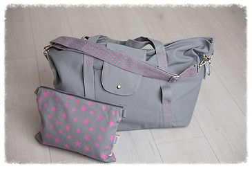 big bag, dark grey pink, perfect for beach bag / weekend bag / gym bag / baby bag / change bag, folds away to fit into great smaller pouch bag