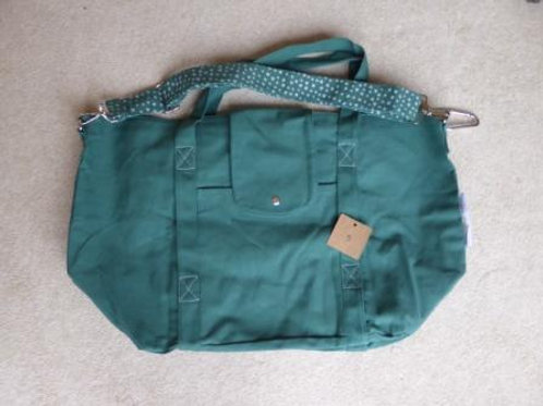 stitching fault (5) - green (no pouch)