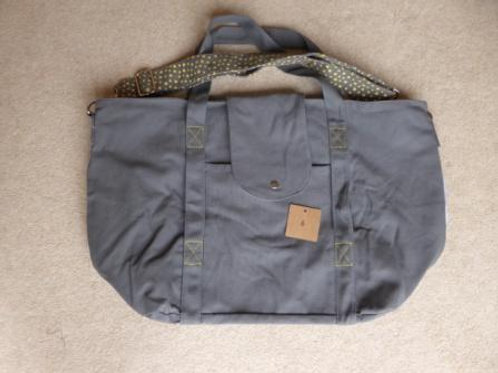 stitching fault (6) - grey / yellow (no pouch)