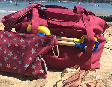 maroon big beach bag, water resistant bag, star print bag