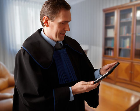 Judge on tablet