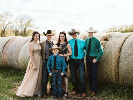 Ray-Anna & William - Maple Creek Class of 2021