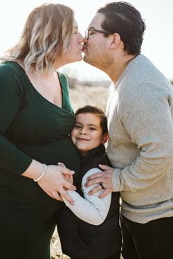 Red Deer Maternity Photographer