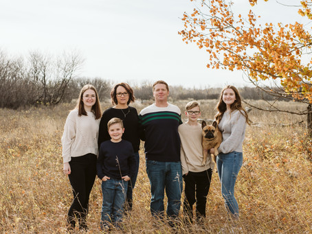 Kreuger Family - Medicine Hat Family Session