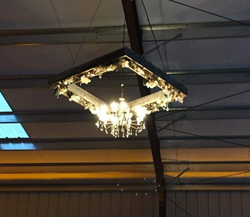 Chandelier w Wood Box.png