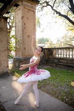 little girl dressed as a ballernina