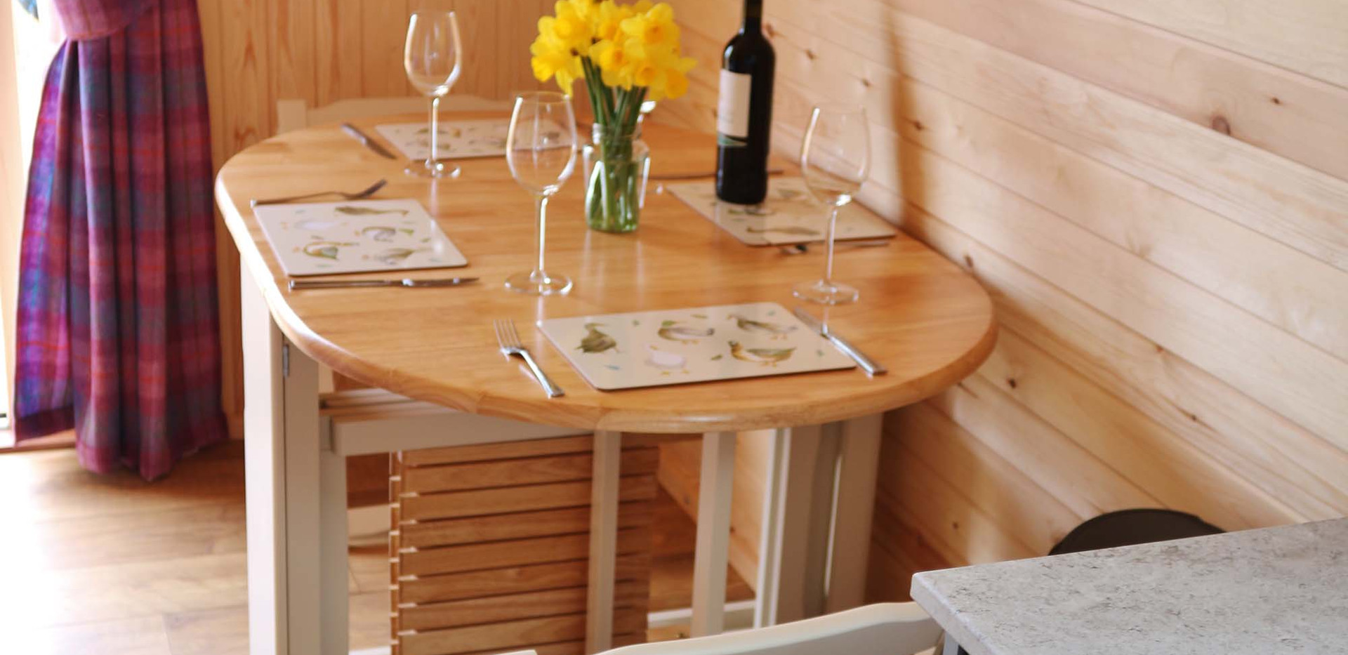 Pod Dining 2 NY.jpg