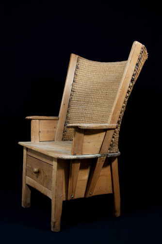 Orkney light single drawer chair