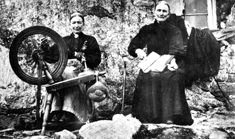 Spinning and carding, Outer Hebrides
