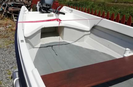 boatforsale01-02.jpg