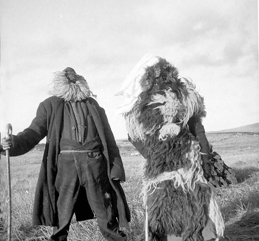 Oidhche Shamhna, a South Uist Halloween,1932