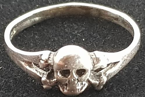 Small Skull X-Bones Ring