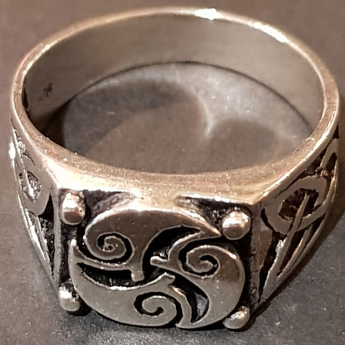 Large Square Swirl Ring
