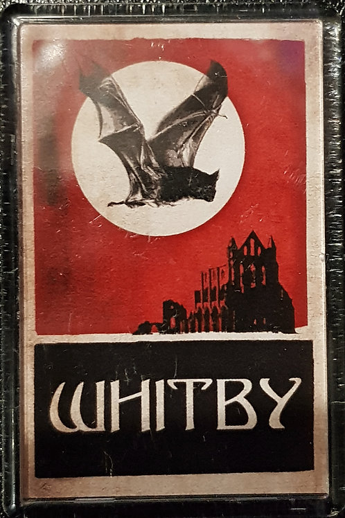 Magnet Whitby Red