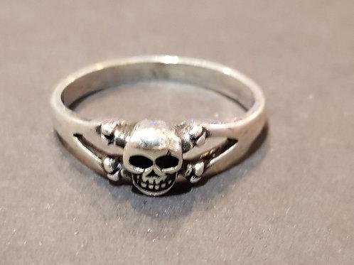 Small Skull Ring