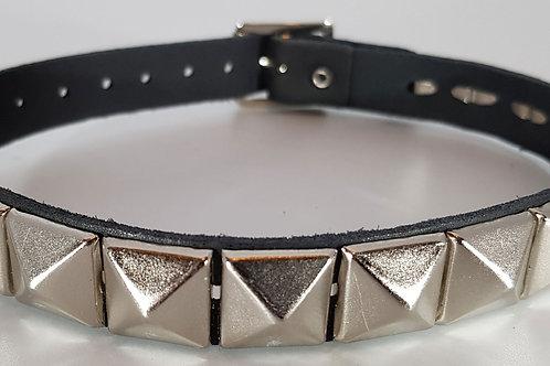 1 Row Pyramid Collar