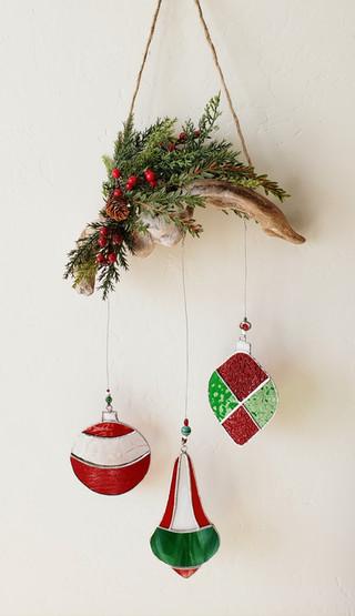 Holiday Window Hanging