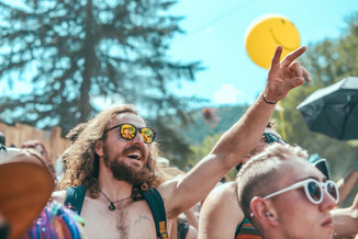 Hitting Festivals Solo: a Definitive Guide