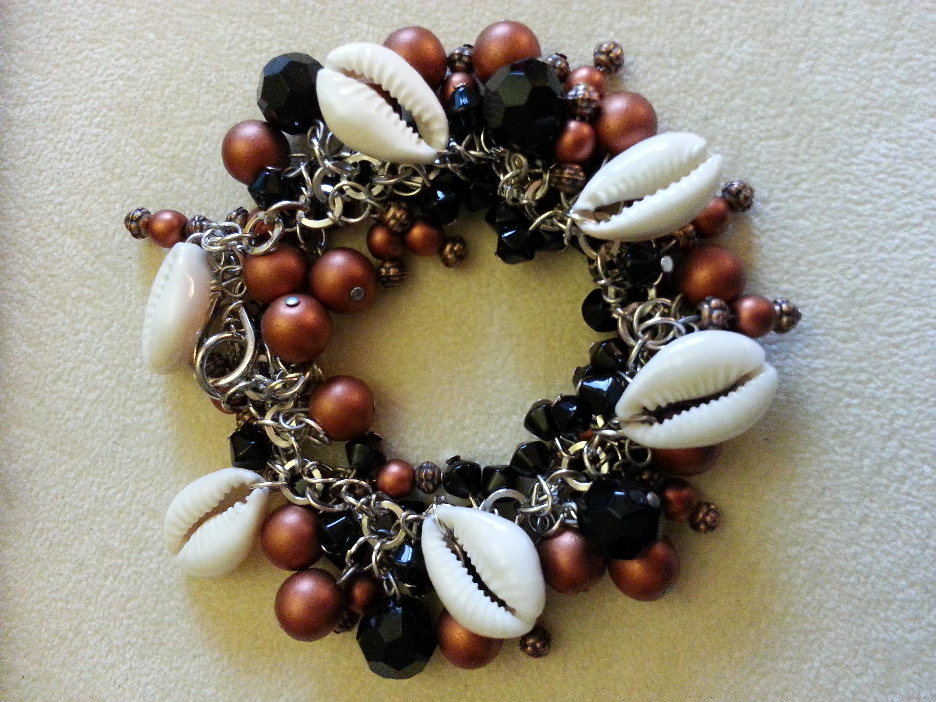 Copper,Black&Cowries B&E --@Sister's