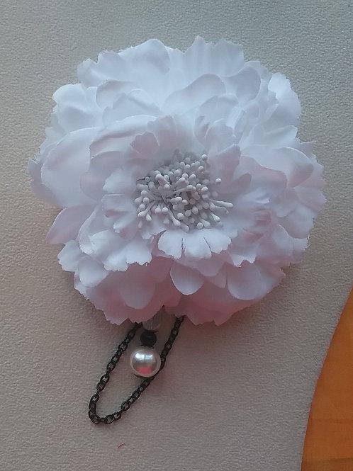 White Blossom, large pearl, black links