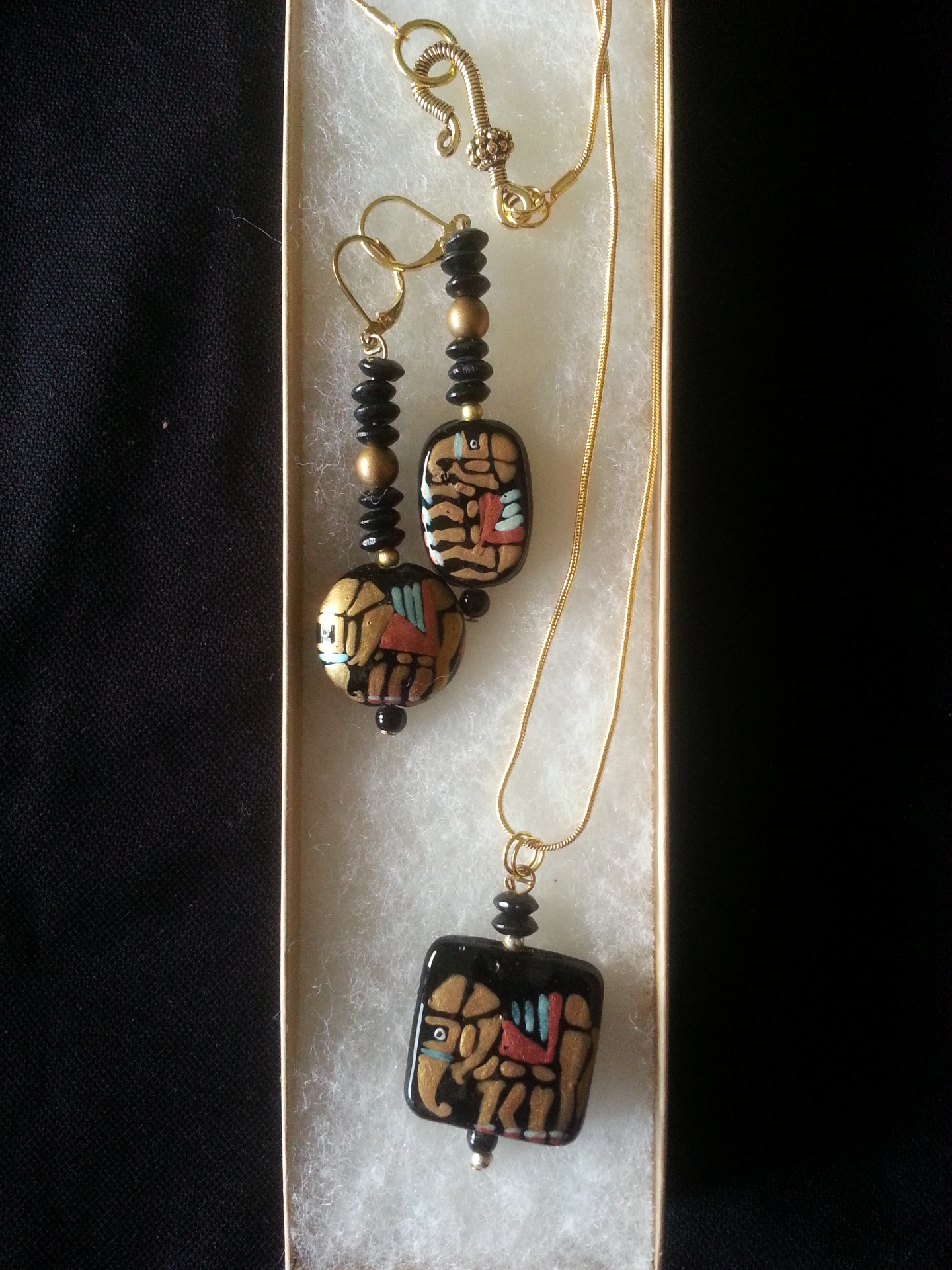 Charming Elephants Black & Gold N&E