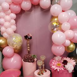 Balloons, Pedestals & Circle Arch