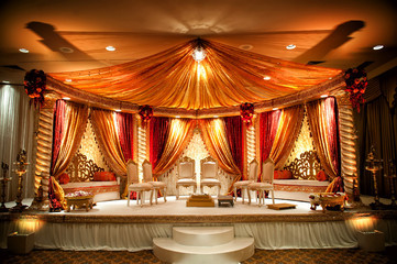 Lavish Ceiling Drape & Wall Furnishing