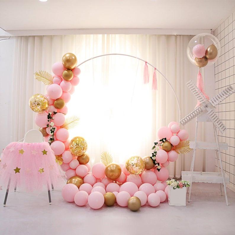 Circle Arch & Organic Balloons