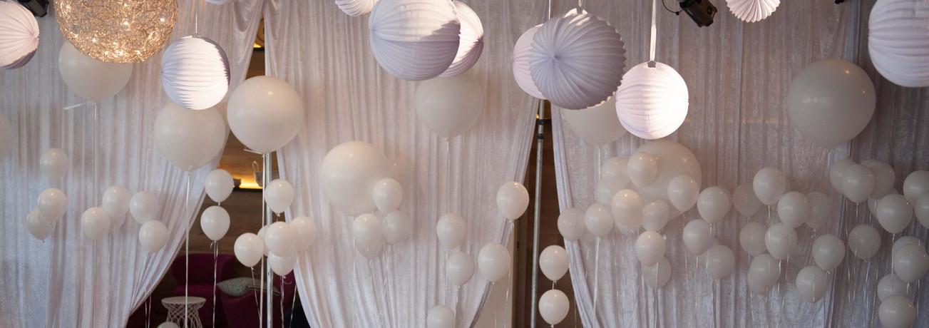 White Balloon Frenzy