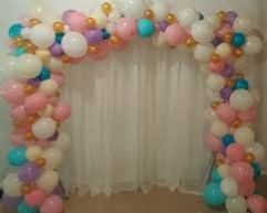 Balloon Twisted Arch