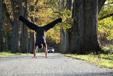 Jason Zagaro, split handstand