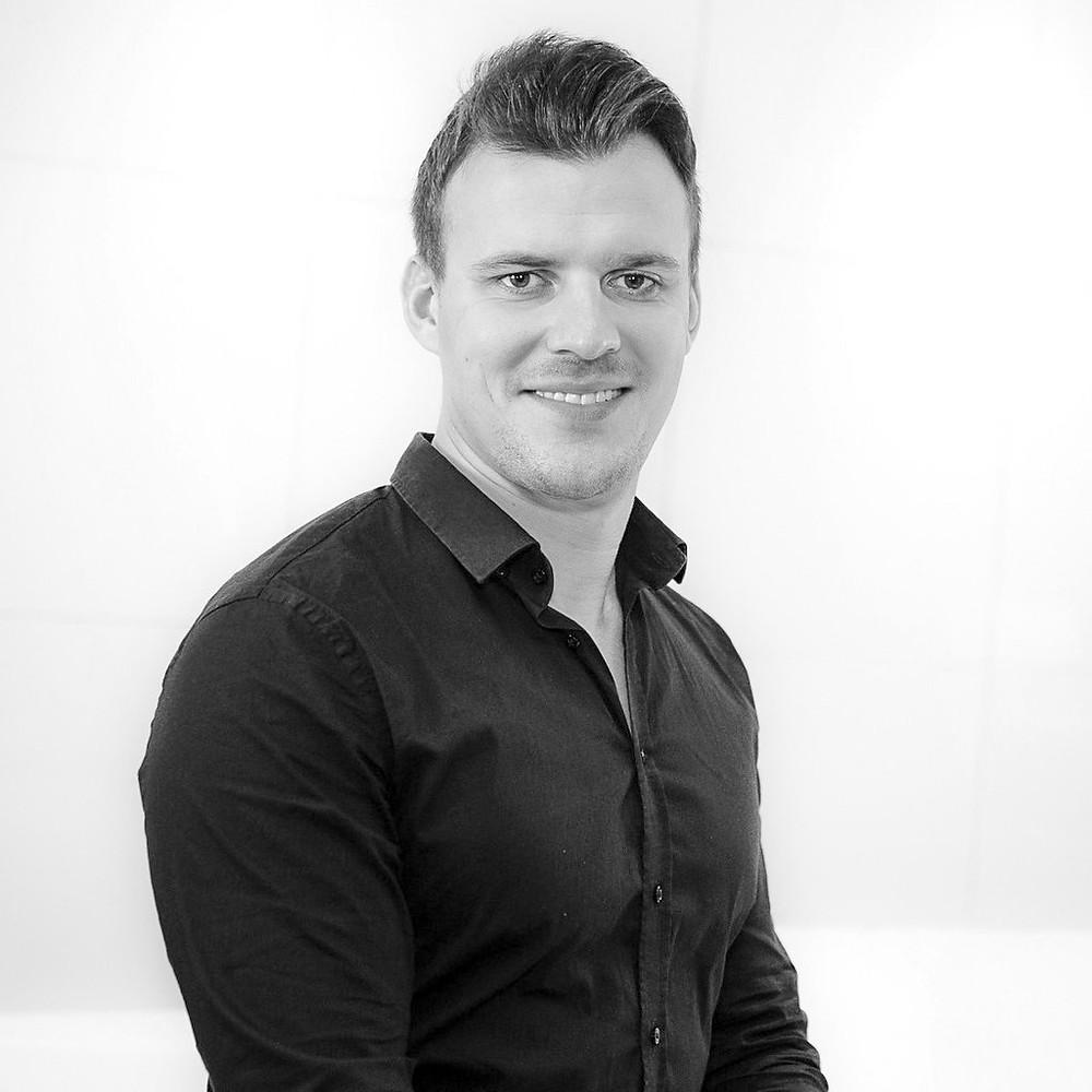Robin Lootz B&M Marketing Manager Marketing