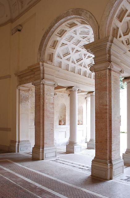 Villa Imperiale Pesaro, ala roveresca, atrio