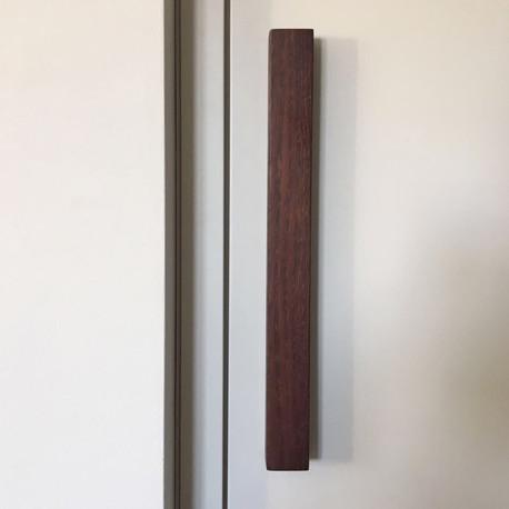 dettaglio dell'arredo della cabina armadio