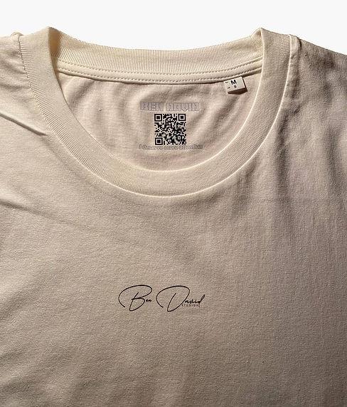 qr-code-in-bendavid-t-shirt.jpg