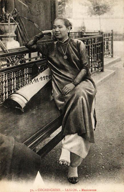 """Saigon - Musicienne."" 1906 Marseille Colonial Exhibition"