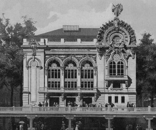 "The grand ""Palais de Danse"" of the 1900 Exposition Universelle."