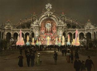 Le Château d'Eau et le Palais de l'Électricité, effet de nuit, Exposition Universelle de Paris, 1900.