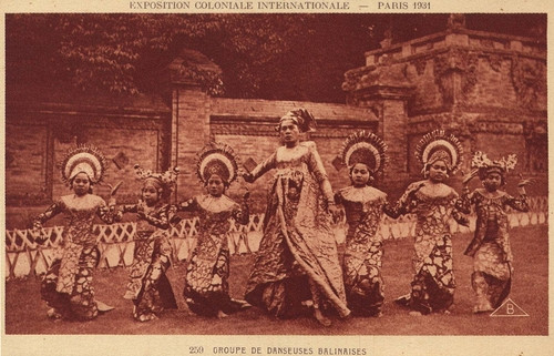 Balinese dancers at the Colonial Exhibition of Paris in 1931