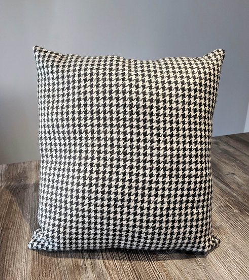 Houndstooth Cushion black and white