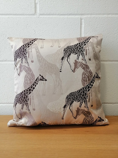 Giraffe Animal print cushion covers Sandstorm